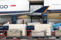 Singapore Airlines CARGO loading