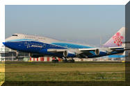 China Airlines Dreamliner colors Boeing 747 B-18210 B18210